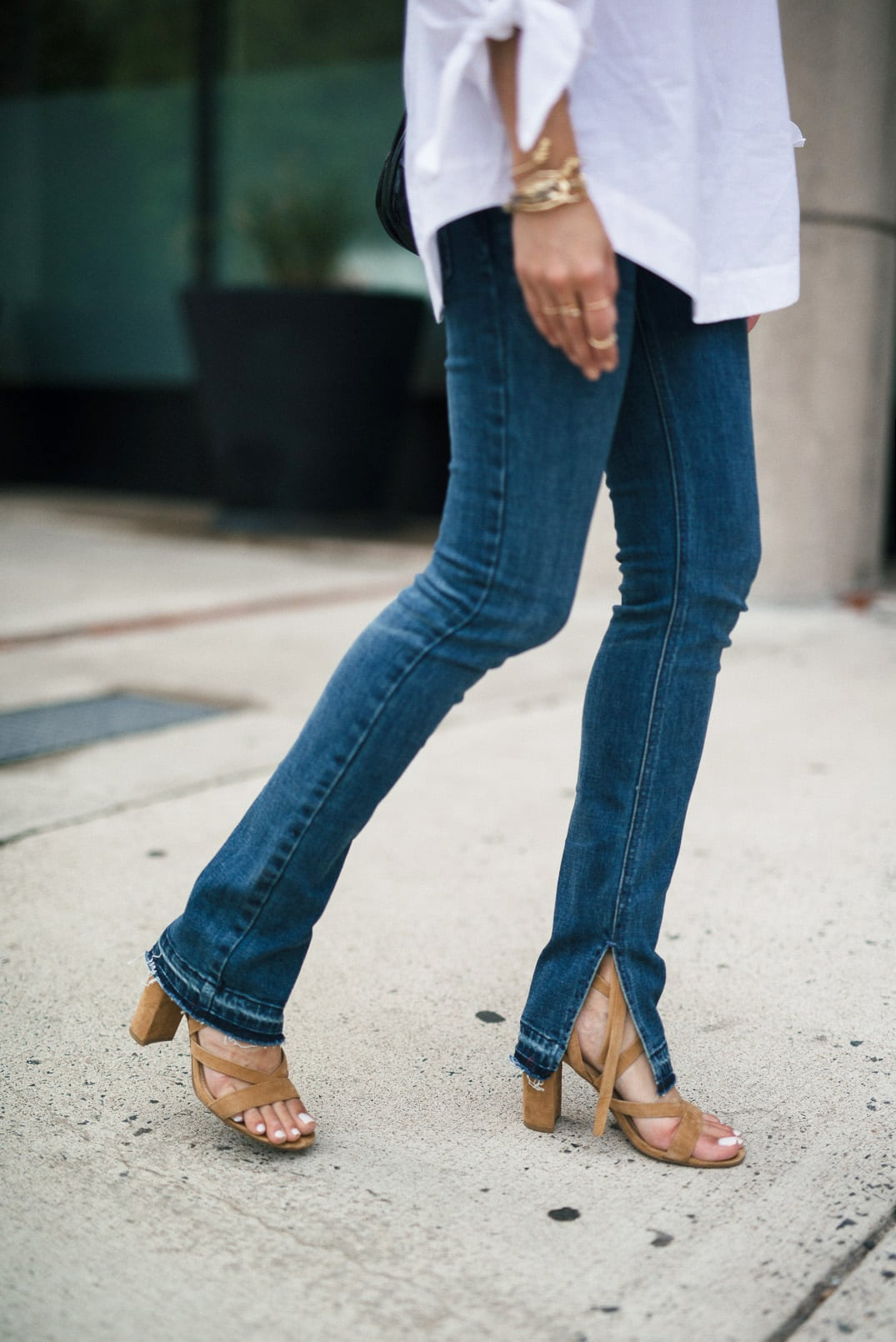 Free People Off-the-shoulder top, Raw Hem Jeans | The Girl From Panama