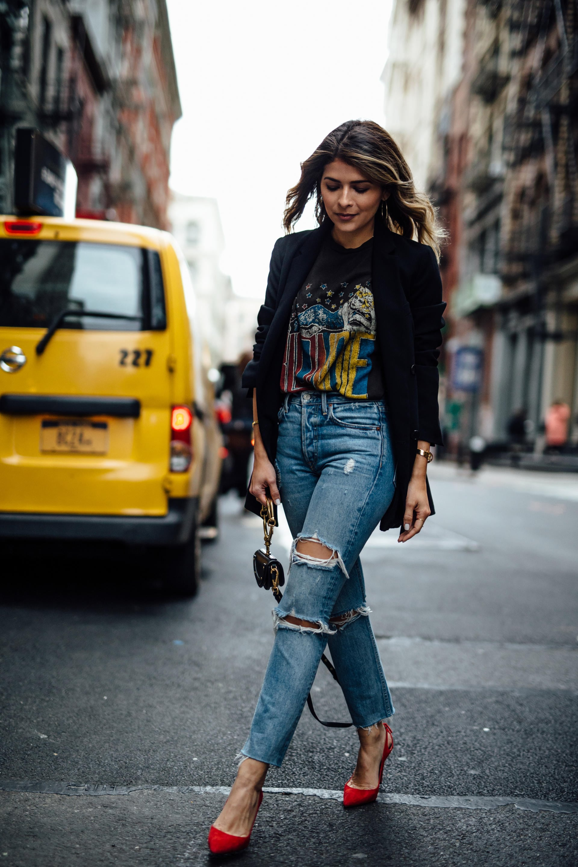 10 Graphic Tees for a Cool-Girl Look | The Girl From Panama