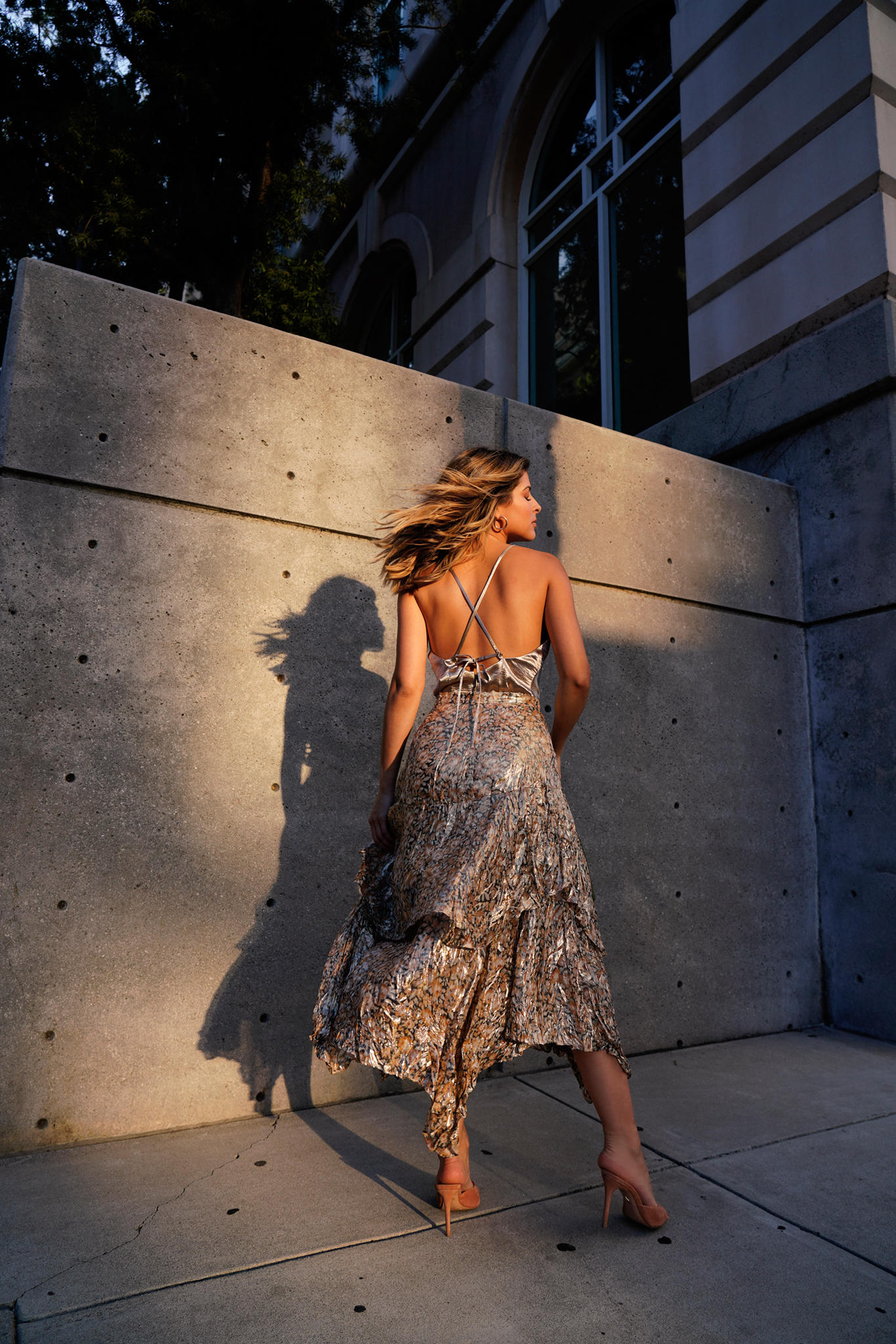 How to Nail a Perfect Night Out Look by Pam Hetlinger | TheGirlFromPanama.com | Metallic Cami, Strappy Heels, Metallic dressing, ruffle metallic skirt