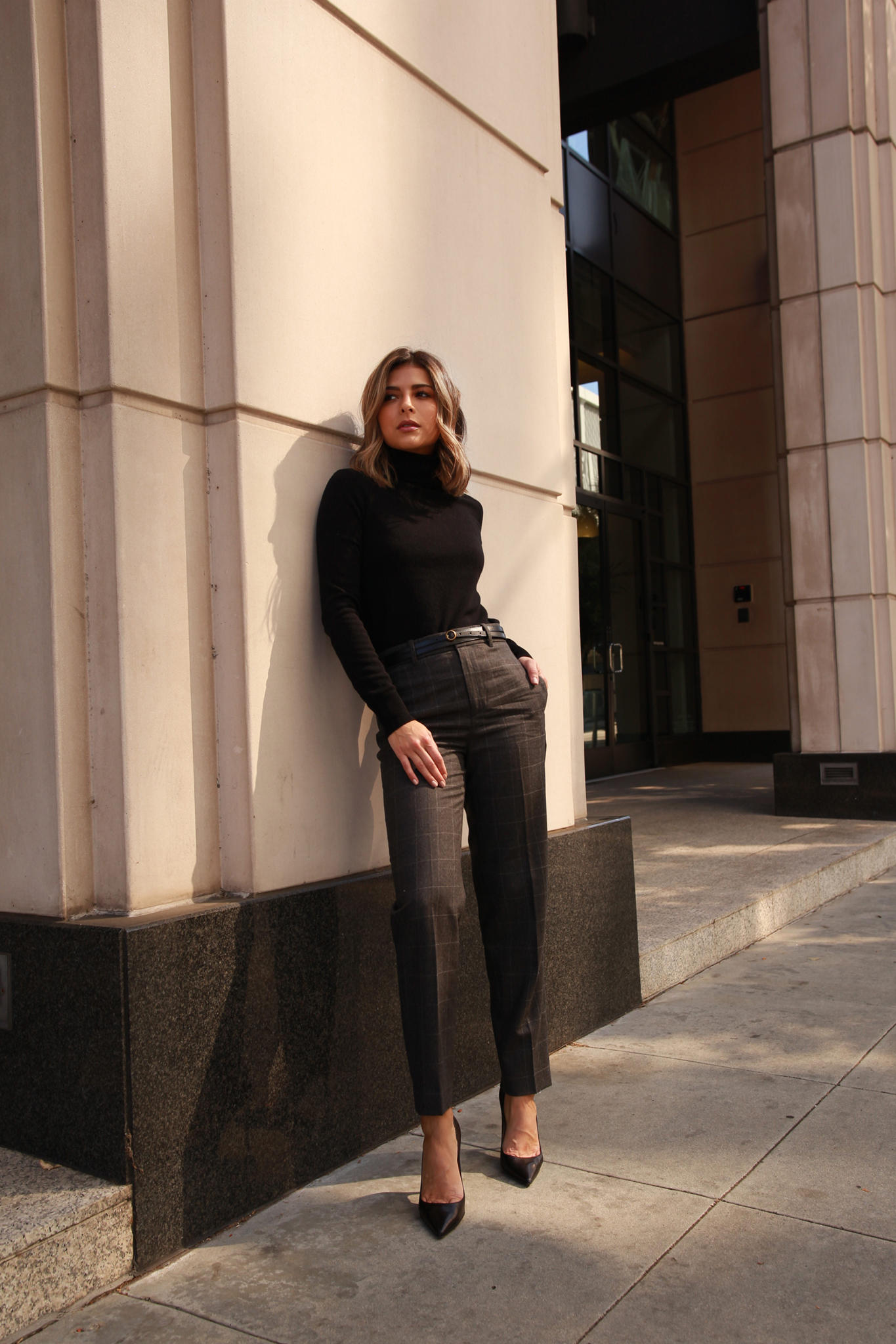Chic Workwear Pieces You need for Fall by Pam Hetlinger | TheGirlFromPanama.com | Plaid trousers, Turtleneck Sweater, Classic American Style, Ralph Laurent office wear, Black pumps, double wrap belt, chic office style