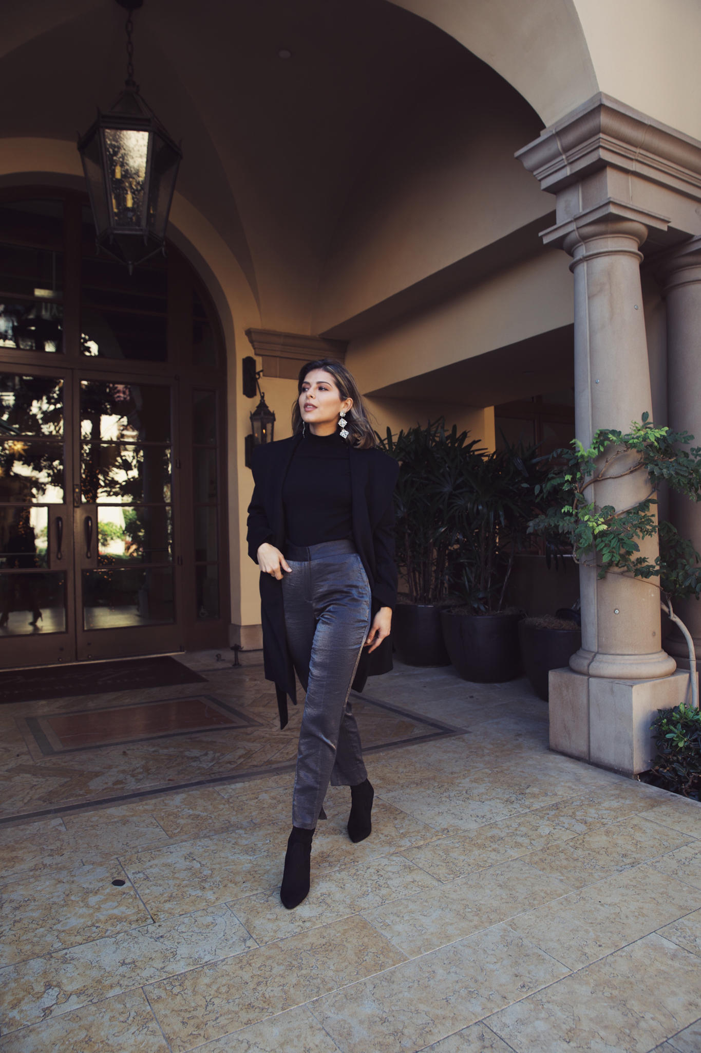 2018 Holiday Style Guide by Pam Hetlinger   TheGirlFromPanama.com   Ann Taylor outfit, professional holiday look, office party outfit for christmas