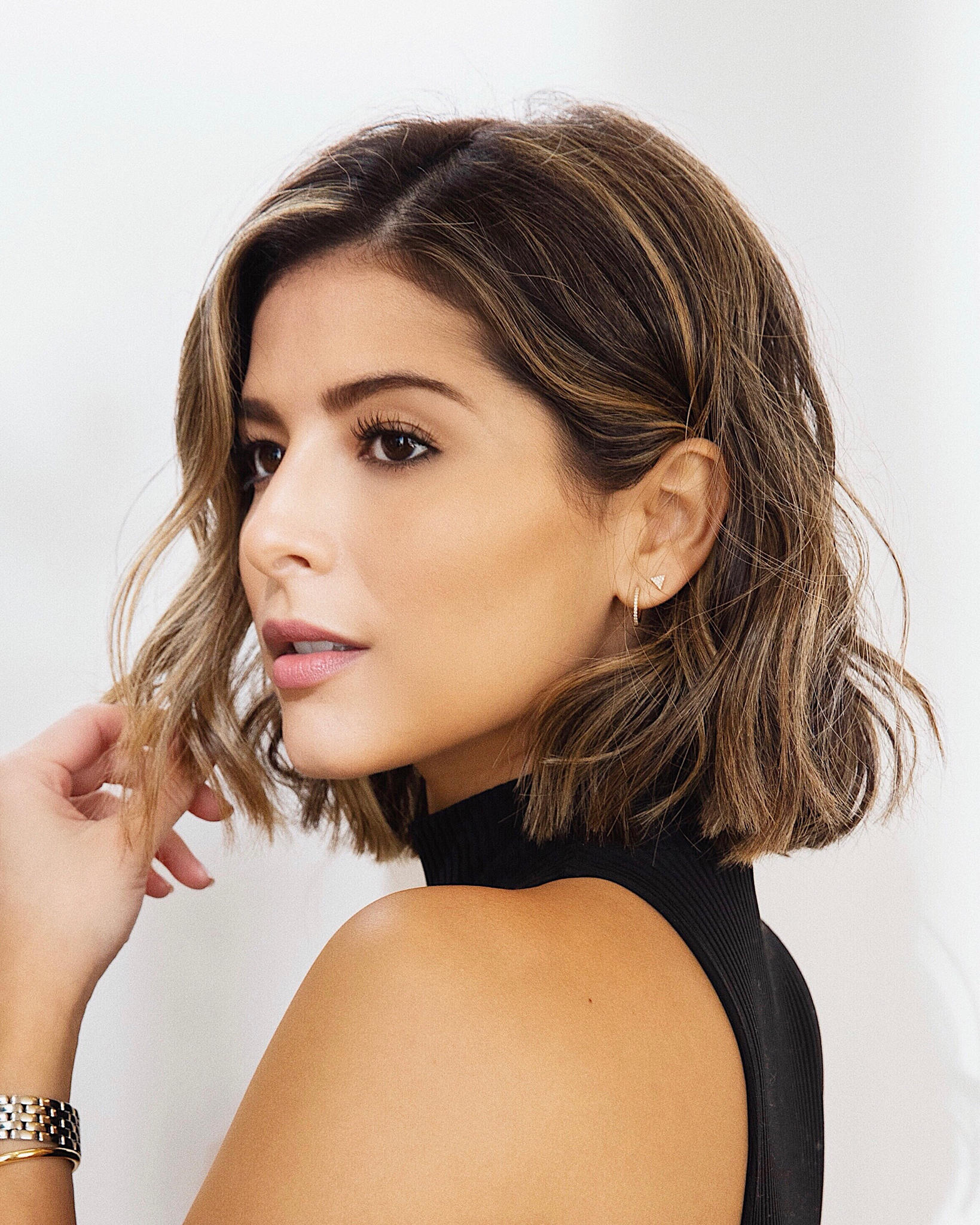 My Top Beauty Picks of 2018 by Pam Hetlinger | TheGirlFromPanama.com | short wavy lob, blunt lob