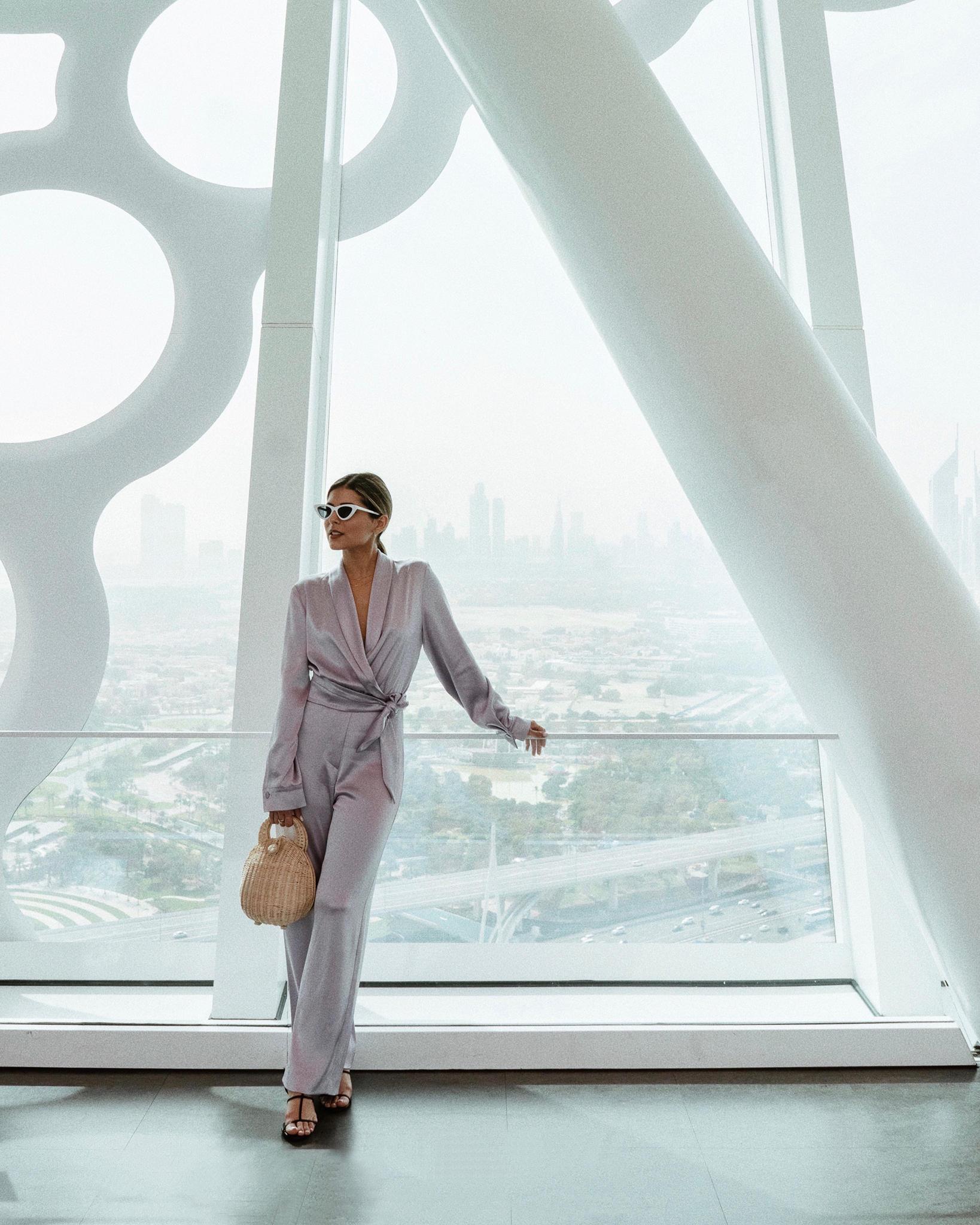 How to Spend 5 days in Dubai by Pam Hetlinger   TheGirlFromPanama.com   Dubai Travel Guide, Instagrammable spots dubai, fashion bloggers in dubai, dubai frame