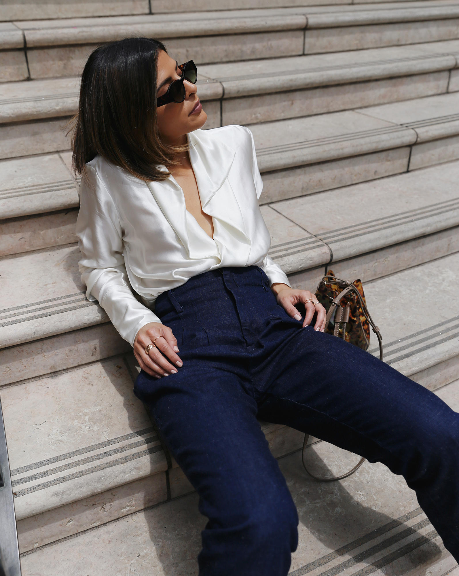 stylish white tops for summer, chic white tops, white blouse, chic blogger style, pam hetlinger style   the girl from panama